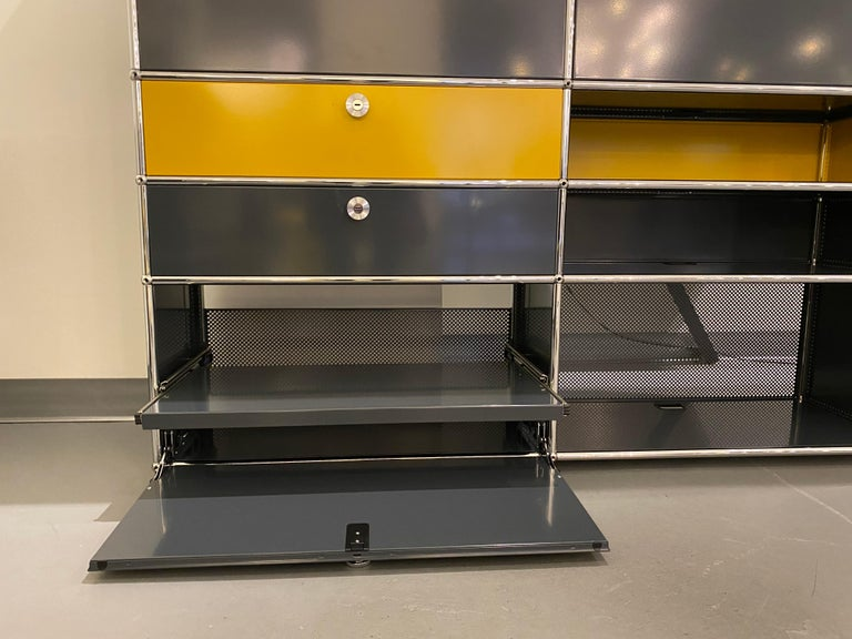 USM Anthracite Wall Unit by Swiss architect Fritz Haller & Paul Schaerer For Sale 2