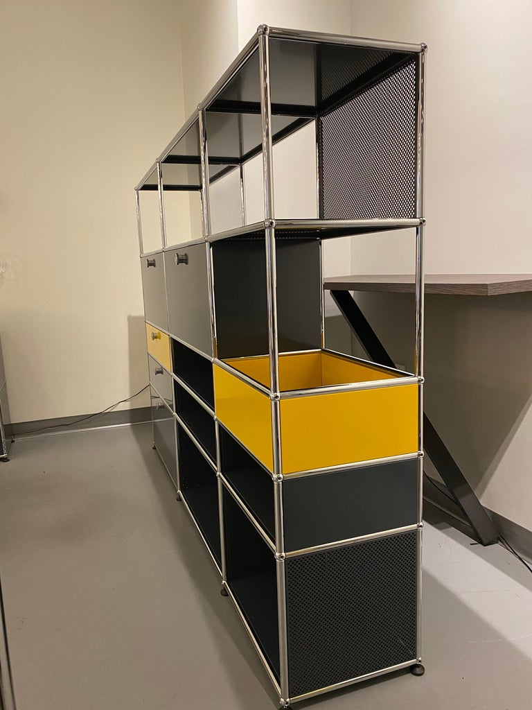 USM Anthracite Wall Unit by Swiss architect Fritz Haller & Paul Schaerer For Sale 3