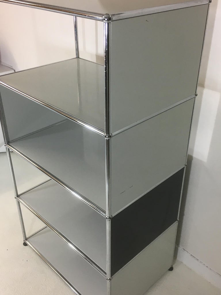 Usm Haller Storage Unit White, Grey and Stainless Steel Designed by Fritz Haller In Good Condition For Sale In Doornspijk, NL