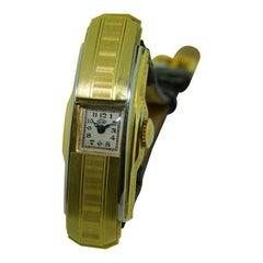 U.W. 18 Karat Yellow Gold Art Deco Covered Lid Ladies Watch, circa 1920s