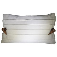 v Rugs & Home Contemporary White and Brown Seashell Pillow