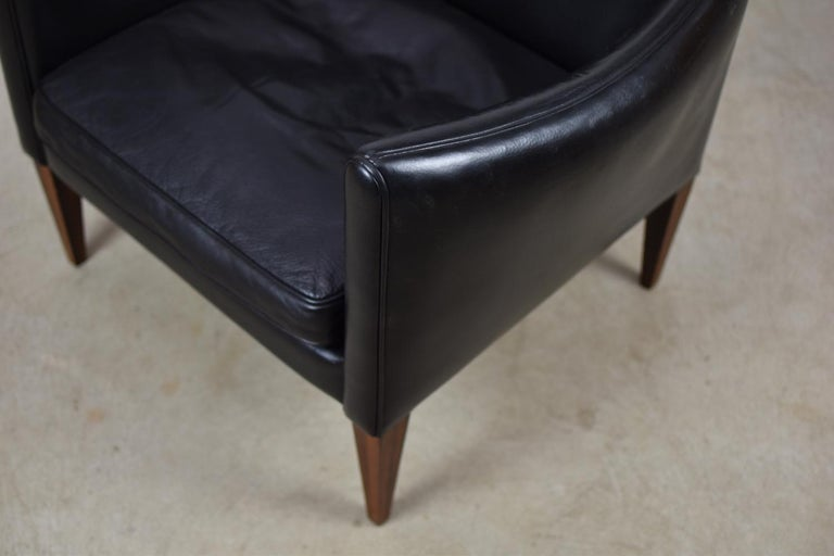 Mid-20th Century V12 Easy Chair by Illum Wikkelsø for Søren Willadsen Møbelfabrik, Denmark, 1960s For Sale