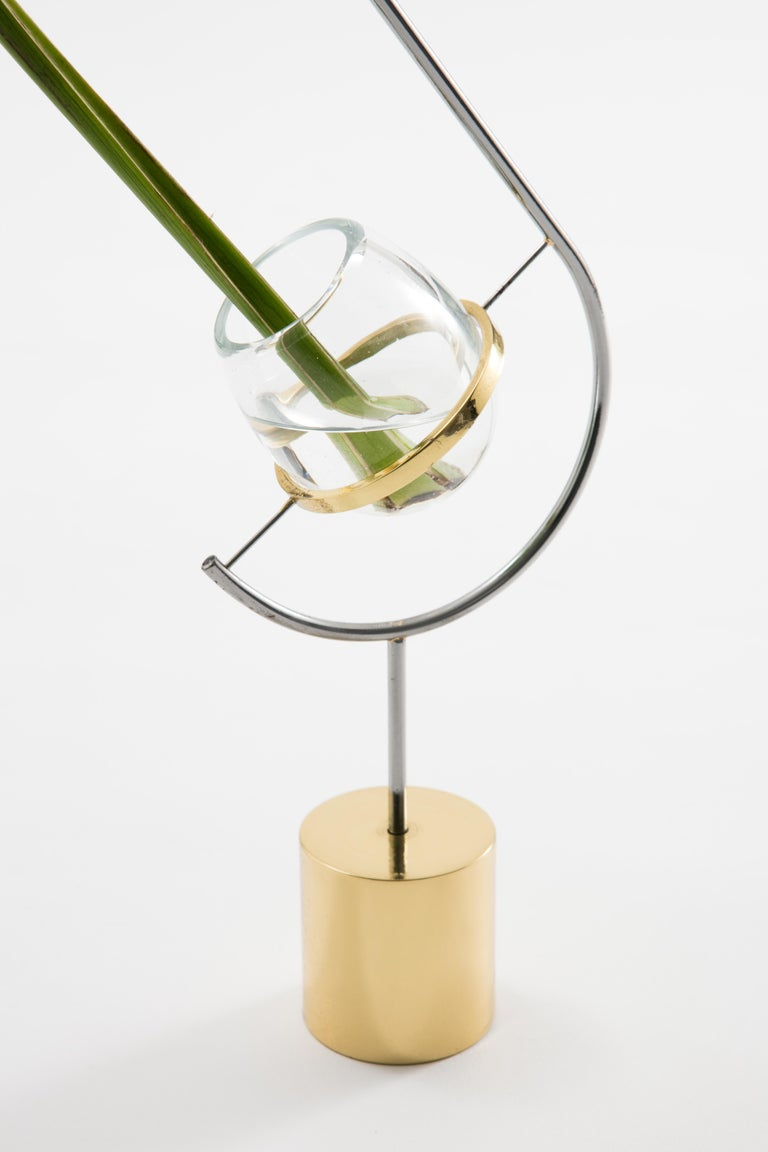 Contemporary minimalist brass and glass solitary Vase V3 In Excellent Condition For Sale In Sao Paulo, SP