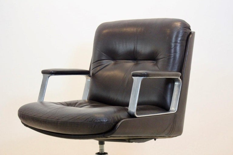 Aluminum Vaghi Executive Leather Swivel Chair, Italy For Sale
