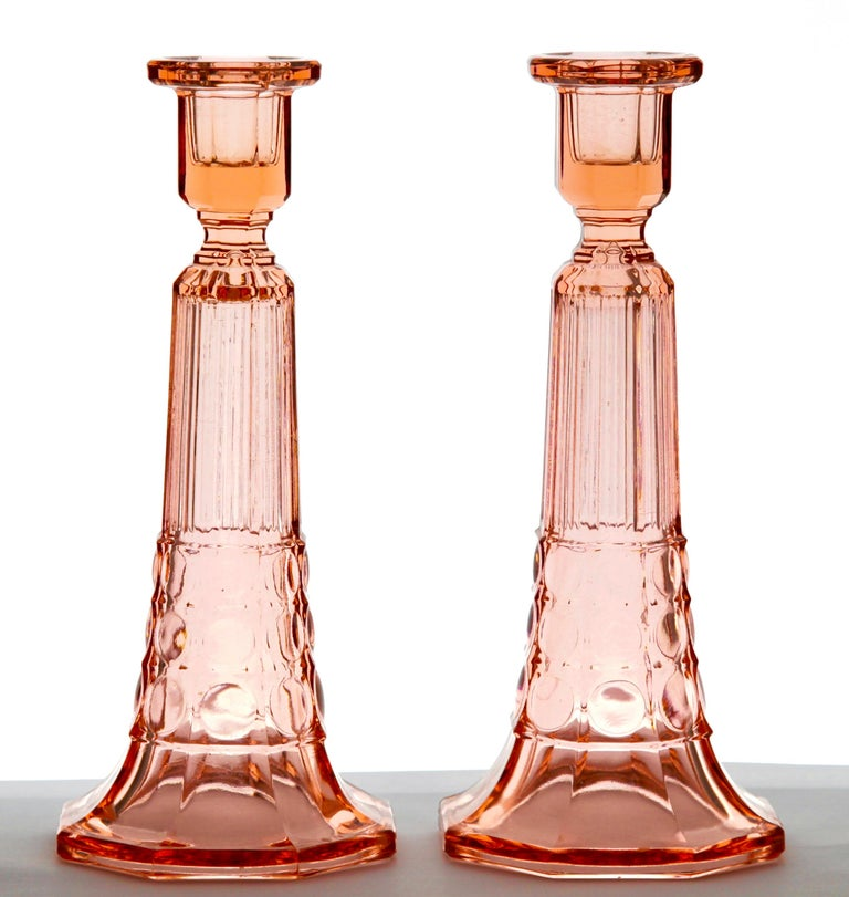 1935, Belgium Pair of very nice Art Deco candlesticks made by Val Saint-Lambert. From the Luxval range by Charles Graffart and René Delvenne. Named after European monarchs, the smaller design is called 'Victoria' and the taller one 'Edward