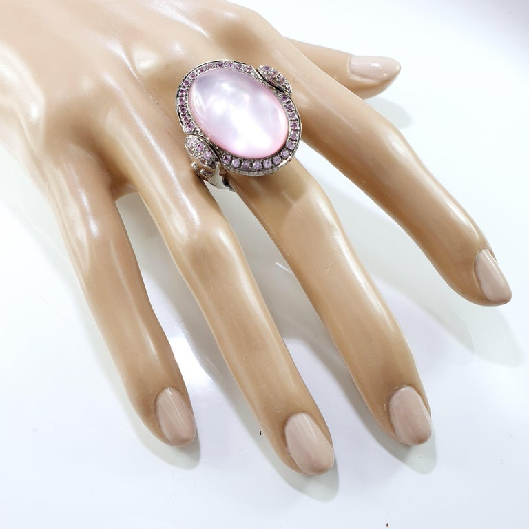 Sugarloaf Cabochon Valente Double Face Mother of Pearl 18 Karat Gold Ring with Diamonds & Sapphires For Sale