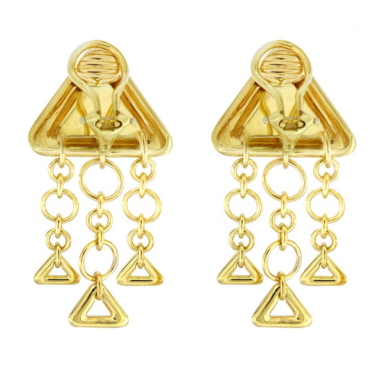 Modern Valentin Magro 18 Karat Yellow Gold Triangular Earrings Displays a Chandelier For Sale