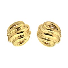 Valentin Magro Curvy Earrings in Yellow Gold