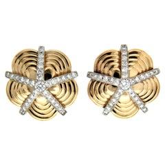 Valentin Magro Diamond Star Petal Sand Dollar Earrings in Gold