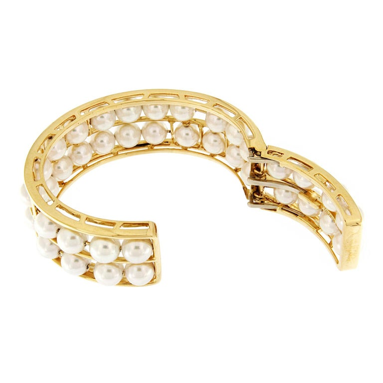 Valentin Magro Pearl 18 Karat Yellow Gold Cuff Bracelet In New Condition For Sale In New York, NY