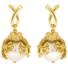 Valentin Magro Frog Grabbing a South Sea Pearl Earrings