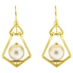 Valentin Magro Geometric Lantern Medium Pearl Earrings
