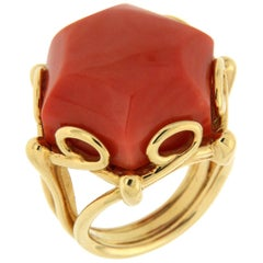Valentin Magro Geometrical Hexagon Coral Solitaire Gold Ring