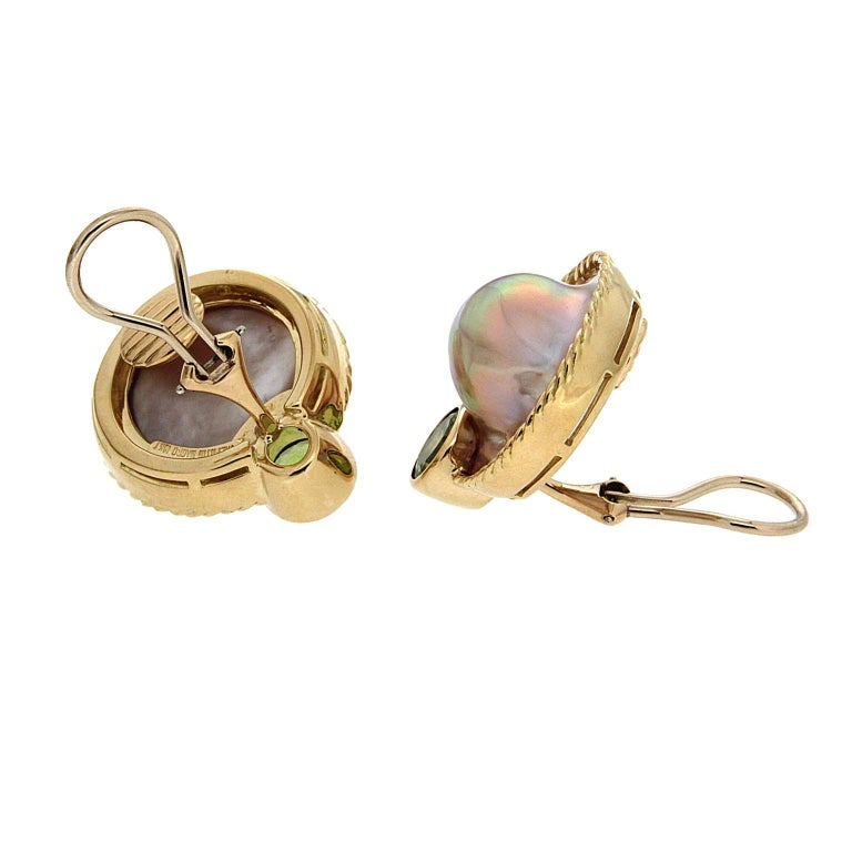 Valentin Magro Mabe Pearl Peridot Gold Earrings In New Condition For Sale In New York, NY