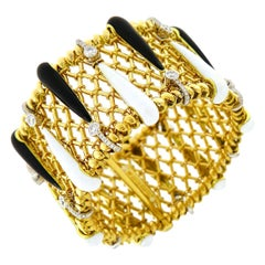 Valentin Magro Mesh Bracelet with Black and White Enamel in Yellow Gold