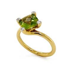 Valentin Magro Peridot Gold Twist Ring with Diamonds