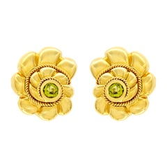 Valentin Magro Scalloped Shell Peridot Gold Earrings