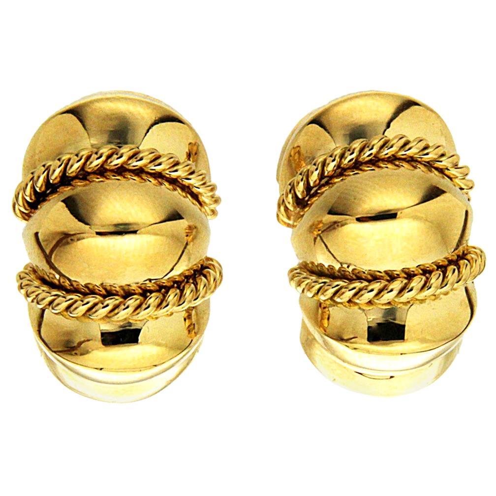 Valentin Magro Small 18 Karat Yellow Gold Shrimp Earrings