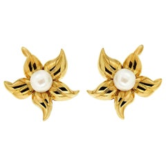 Valentin Magro Small Yellow Gold Pearl Lilia Flower Earrings