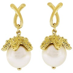 Valentin Magro Starfish Grabbing a South Sea Pearl Large Earrings
