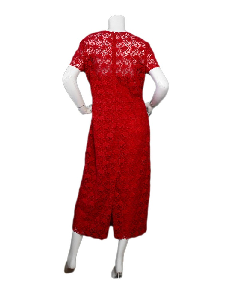 Valentino 2019 Red Floral Lace Midi Dress sz 12 rt. $5,900 In Excellent Condition For Sale In New York, NY