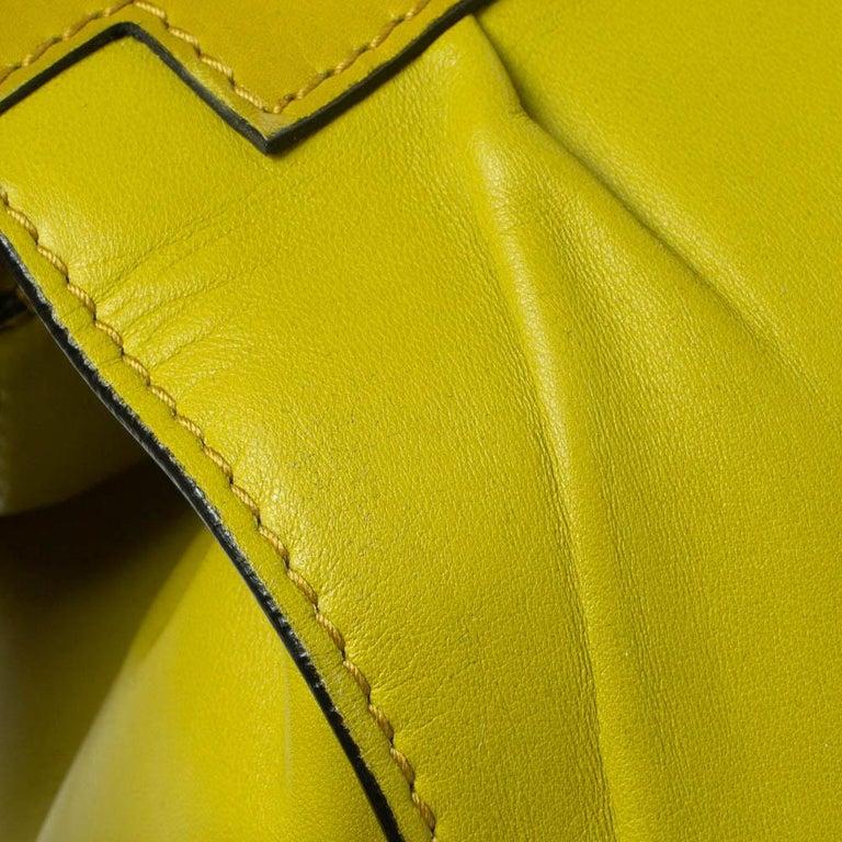Valentino Avocado/Beige Leather Aphrodite Bow Bag For Sale 7
