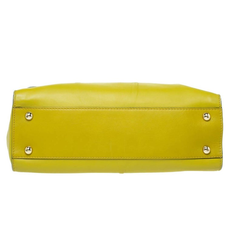 Women's Valentino Avocado/Beige Leather Aphrodite Bow Bag For Sale