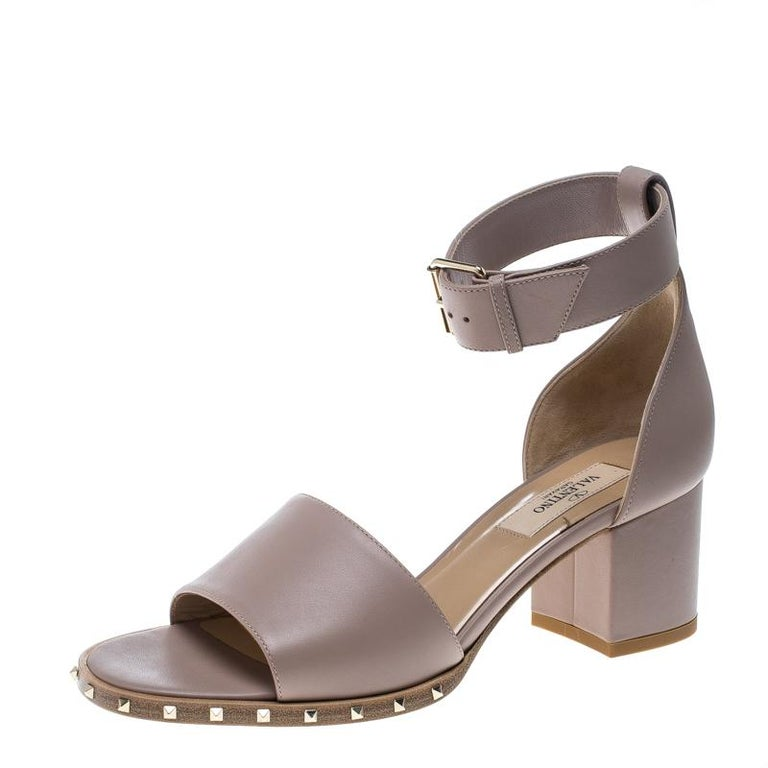 c3e41ae7cd45 Valentino Beige Leather Soul Rockstud Ankle Strap Block Heel Sandals Size  36 For Sale at 1stdibs