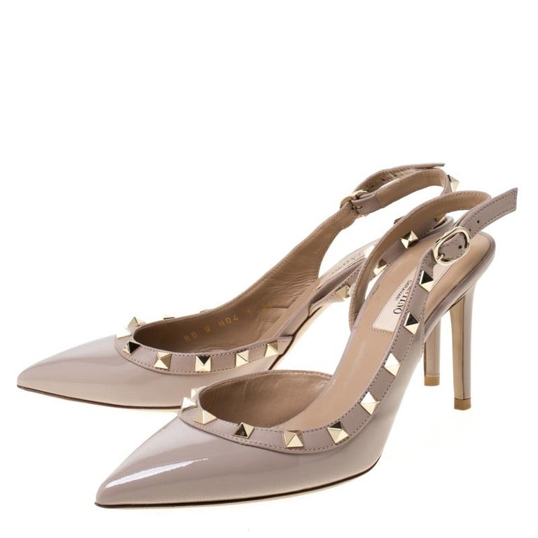 Valentino Beige Patent Leather Studded Pointed Toe Slingback Sandals Size 36.5 For Sale 3