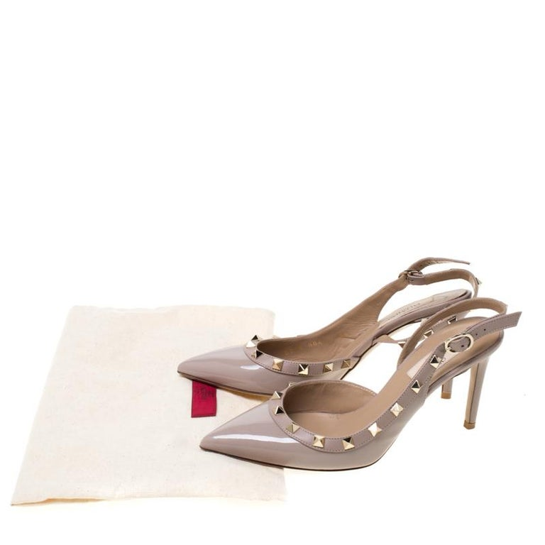 Valentino Beige Patent Leather Studded Pointed Toe Slingback Sandals Size 36.5 For Sale 4