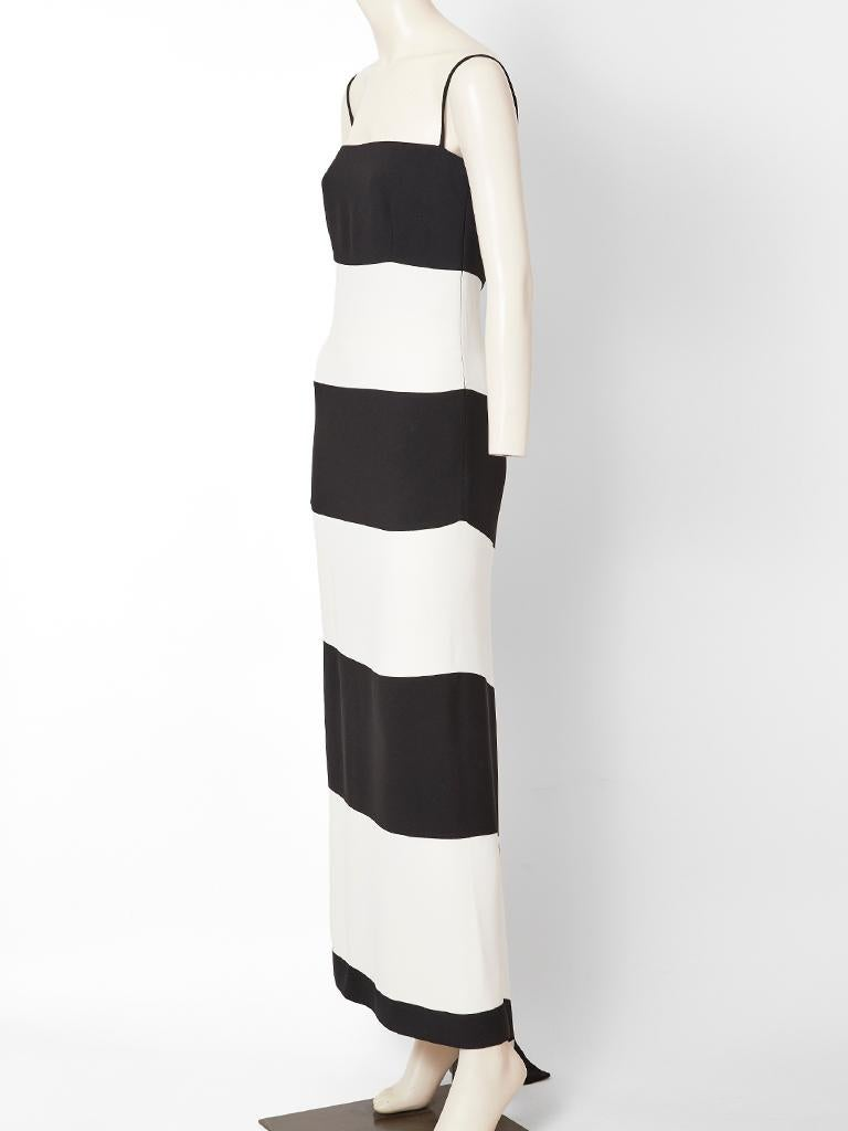 Valentino Black and White Crepe Evening Dress In Good Condition For Sale In New York, NY