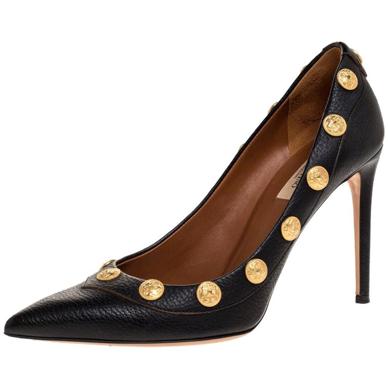 Valentino Black Leather Coin Embellished Pointed Toe Pumps Size 39.5 For Sale