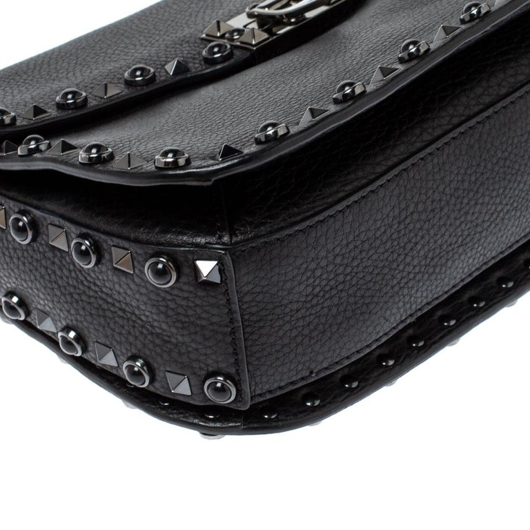 Valentino Black Leather Guitar Rockstud Rolling Crossbody Bag For Sale 3