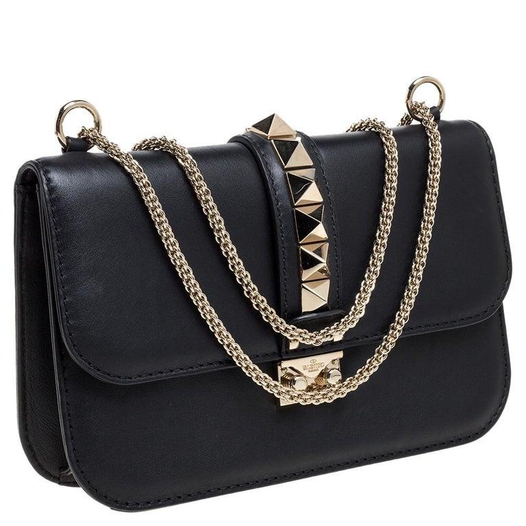 Valentino Black Leather Medium Rockstud Glam Lock Flap Bag In Good Condition For Sale In Dubai, Al Qouz 2