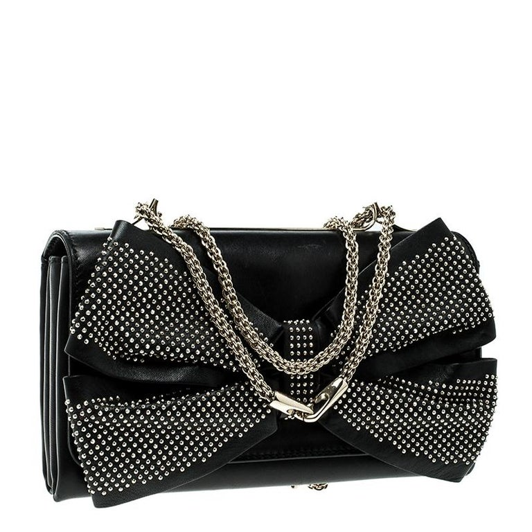 Valentino Black Leather Studded Bow Crossbody Bag In Good Condition For Sale In Dubai, AE