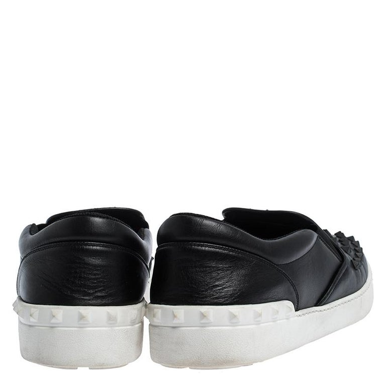 Valentino Black Studded Leather Slip On Sneakers Size 45 In Fair Condition For Sale In Dubai, Al Qouz 2