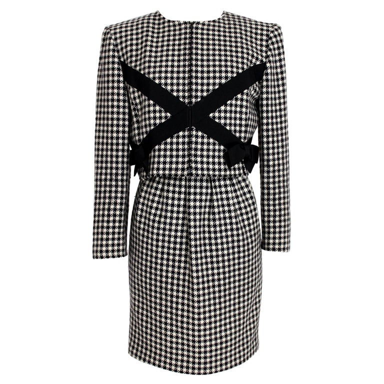 Valentino Boutique Black White Wool Houndstooth Evening Skirt Suit 1980s For Sale