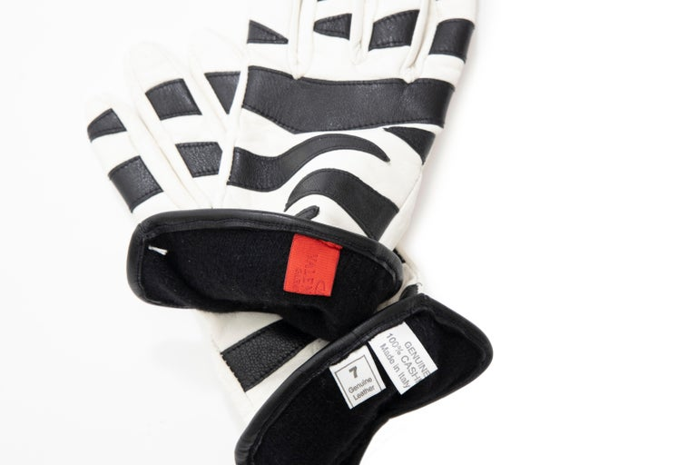 Gray Valentino Boutique Chamois Zebra-Motif Cashmere Lined Gloves, Spring, 1988 For Sale