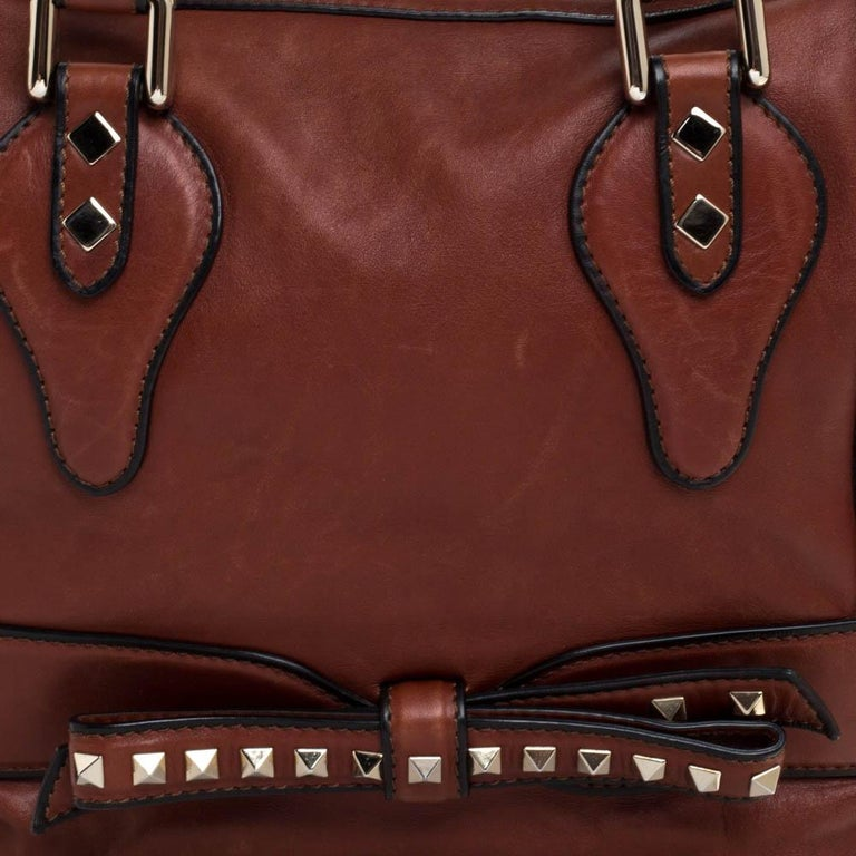 Valentino Brown Leather Rockstud Bow Zip Tote For Sale 5