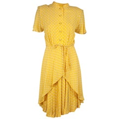 Valentino couture yellow silk chiffon dress. circa 1970s