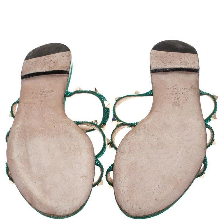 Valentino Emerald/Smeraldo Suede Rockstud Flat Slides Size 39 In Good Condition For Sale In Dubai, Al Qouz 2