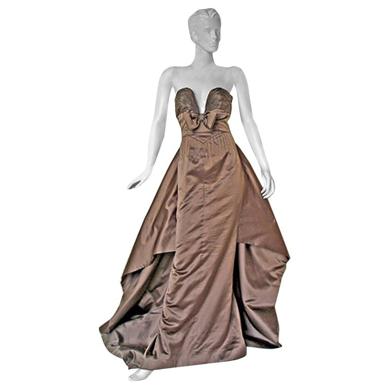 Valentino Entrance Red Carpet Strapless Runway Ball Gown For Sale