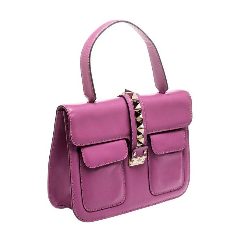 Valentino Fuschia Leather Rockstud Large Glam Lock Top Handle Bag In Good Condition For Sale In Dubai, Al Qouz 2