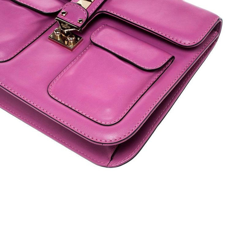 Valentino Fuschia Leather Rockstud Large Glam Lock Top Handle Bag For Sale 4
