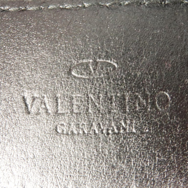 VALENTINO GARAVANI Size 34 Black Leather Belt For Sale 2