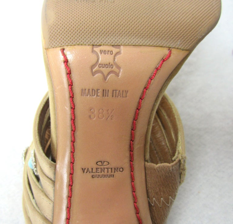 Valentino GARAVANI Turquoise Swarovski crystal studded Shoe  In Good Condition For Sale In Wallkill, NY