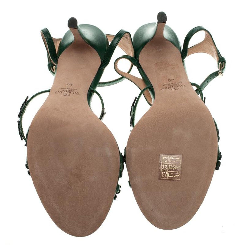 af44a74609 Valentino Green Leather Four Leaf Clover Appliquè Ankle Strap Sandals Size  40 at 1stdibs