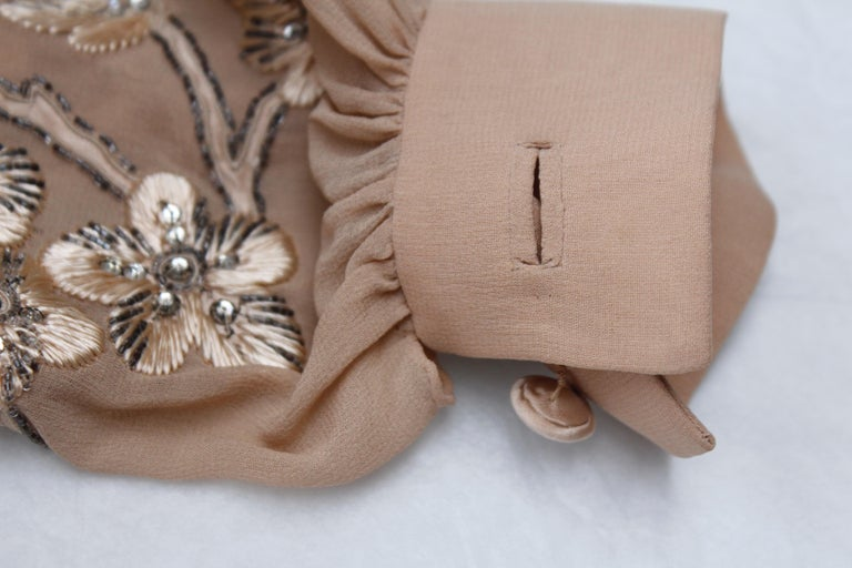 Valentino Haute Couture gorgeous beige silk chiffon cocktail dress with embroide For Sale 5