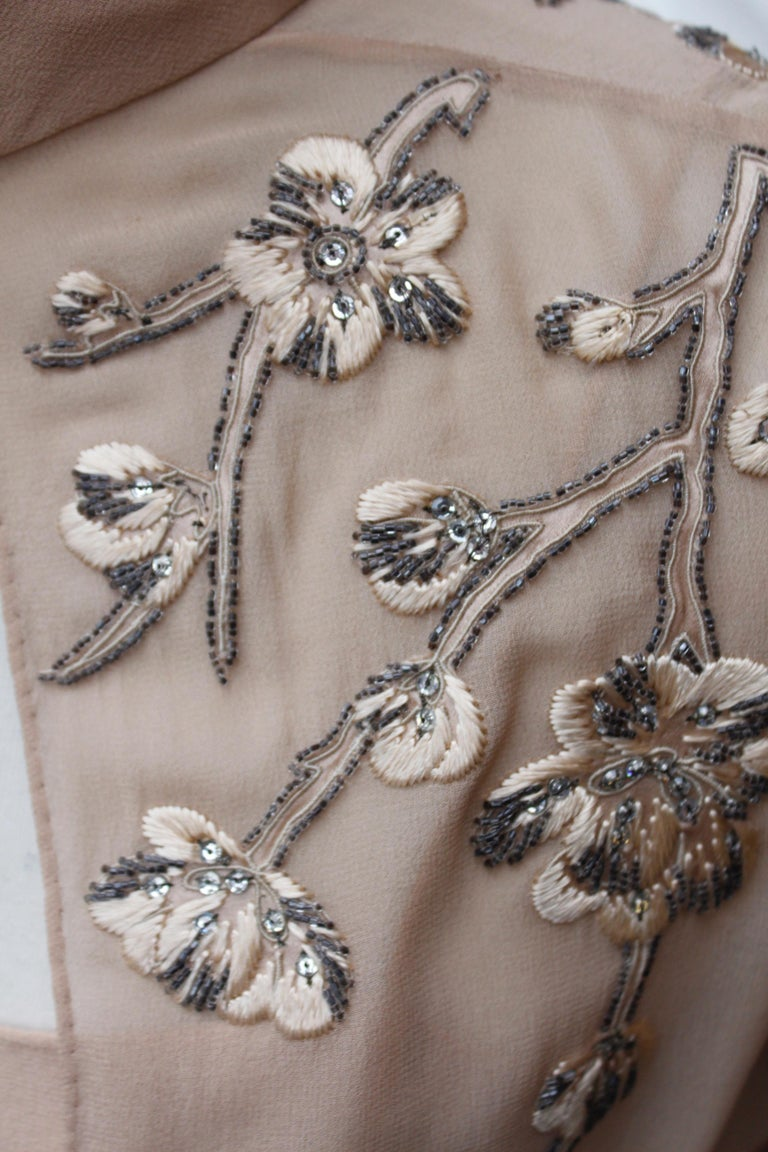 Valentino Haute Couture gorgeous beige silk chiffon cocktail dress with embroide For Sale 6