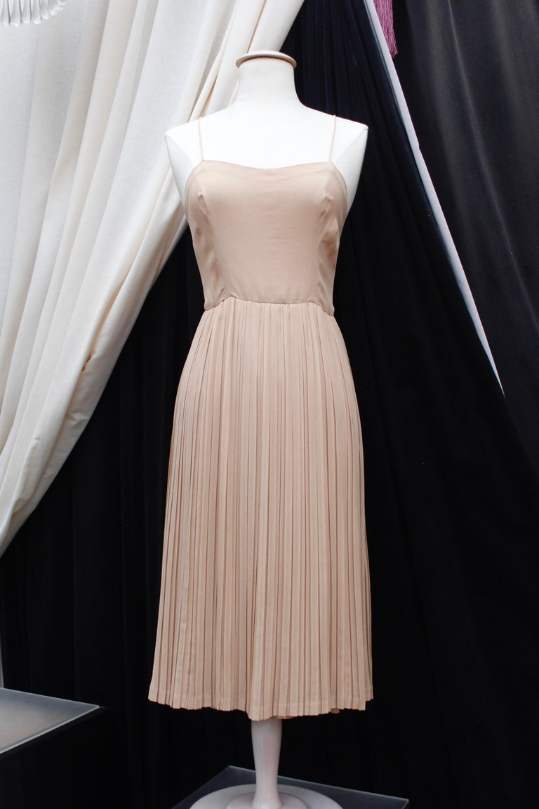 Women's Valentino Haute Couture gorgeous beige silk chiffon cocktail dress with embroide For Sale
